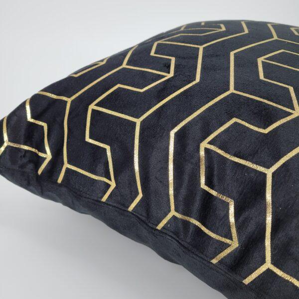 czarna ze złotym wzorem1